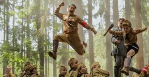 映画『ジョジョラビット』無料視聴・ネタバレ感想解説!戦争をユーモアとシリアスに表現