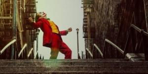 映画『ジョーカー』無料視聴・ネタバレ感想解説!11時11分?妄想?ジョーカー階段も